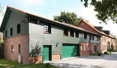Fassadengestaltung einfamilienhaus grün  Fassadengestaltung, Farbgestaltung, Architekturfarbe ...