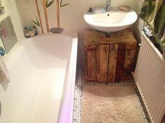 Paletten-Badezimmermöbel. Es geht tatsächlich.