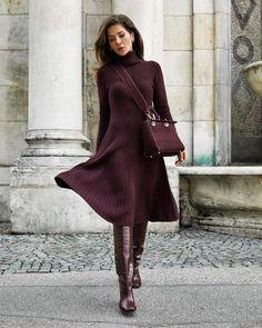 40 образов на каждый день - зима 2021 #зима2021 #гардеробзима2021 #базовыйгардероб2021 #тренды2021 #мода2021 #зимниеобразы2021 #теплыйгардероб #кашемир #свитер2021 #джинсы2021 #сапоги2021 #обувь2021 #стиль2021 Zara, What's Your Style, Winter Looks, Fashion Pictures, Fashion Outfits, Womens Fashion, Knit Dress, High Neck Dress, Instagram