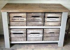 Side cabinet made of pallets and wine crates. Maybe for my laundry room to put laundry baskets (Diy Pallet Dresser) Old Crates, Wooden Crates, Wood Pallets, Wine Crates, Vintage Crates, Crate Furniture, Diy Pallet Furniture, Furniture Chairs, Refurbished Furniture