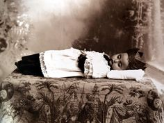Uno de los más grandes temores del ser humano es, sin duda, la muerte. Romualdo García, fotografía la muerte