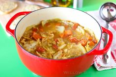 Great for when you are trying to fight off a cold, Ultimate Healing Soup is a great way to warm the body and the spirits. Made with fresh vegetable and herbs, it& rustic flavor will help you fight the sniffles. There& something about soup recipes t Easy Cabbage Soup, Cabbage Soup Recipes, Cabbage Rolls, Chili Recipes, Healing Soup, Cooking Recipes, Healthy Recipes, Easy Cooking, Healthy Eats