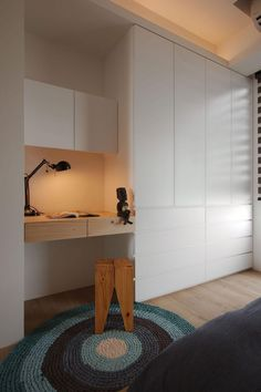 A Minimalist Family Home Design That Doesn't Sacrifice Fun coin bureau chambre Home Design, Home Office Design, Home Interior Design, Room Interior, Design Ideas, Bedroom Desk, Closet Bedroom, Ikea Closet, Girls Bedroom
