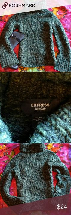 Express hand-knitted sweater size M Forest green chunky cableknit turtleneck sweater. No damage. Express Sweaters Cowl & Turtlenecks