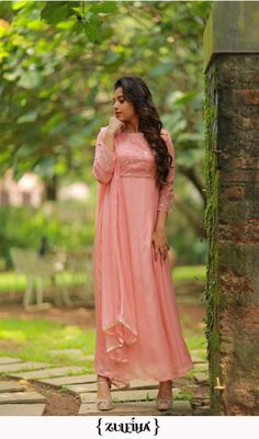 Indian Gowns, Indian Wear, Indian Outfits, Indian Clothes, Salwar Designs, Lehenga Designs, Beautiful Girl Indian, Indian Designer Wear, Stylish Dresses