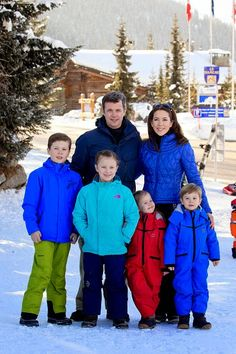 (L-R) Danish Crown Prince Frederik, Crown Princess Mary, Prince Christian, Princess Isabella, Princess Josephine and Prince Vincent attend a Photocall during their annual Ski holiday, on 08.02.2015 in Verbier, Switzerland.