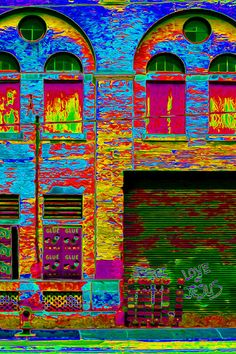 ✯Psychadelic Architecture - Canada All that color! It makes the building alive. World Of Color, Color Of Life, Happy Colors, True Colors, Pop Art Images, Over The Rainbow, Psychedelic Art, Rainbow Colors, Bright Colours
