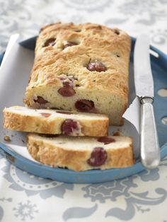 Sink your teeth into a slice of warm Grape and Cranberry Tea Bread made with crowd-pleasing Grapes from California.
