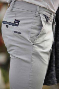How to rock the casual chic look Mens Chino Pants, Men Trousers, Mens Dress Pants, Men Dress, Fashion Pants, Mens Fashion, Latex Fashion, Designer Suits For Men, Menswear