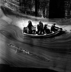 FAMAG 2010.19 | Bown, Jane (born 1925): The Torrey Canyon disaster, March 1967, photograph, 61 x 51 cms. © Jane Bown/Observer. All rights re...