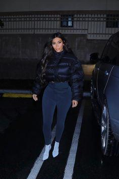 Stylish 36 Fascinating Kim Kardashian Lifestyle Ideas That You Need To Know Kim Kardashian Photoshoot, Khloe Kardashian Photos, Estilo Kardashian, Kardashian Style, Kardashian Jenner, Kardashian Kollection, Kendall Jenner, Kim Kardashian Yeezy, Kardashian Fashion