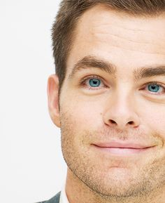 Chris Pine and his adorable face