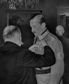 [Photo] Field Marshal Mannerheim being decorated the Order of the Cross of Liberty by Finnish President Kyösti Kallio, 1940 Night Shadow, Field Marshal, Navy Air Force, Fight For Us, Army & Navy, World War Ii, Wwii, Liberty, Presidents