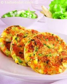 A vegetarian adaptation of the galouti kebab. The specialty of a galouti kebab… Kebab Recipes, Paneer Recipes, Veg Recipes, Indian Food Recipes, Vegetarian Recipes, Cooking Recipes, Punjabi Recipes, Healthy Recipes, Indian Appetizers