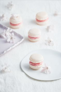 Macarons with French Butter Cream | the italian method.