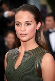 Have glowing skin like Alicia Vikander - see how it's done