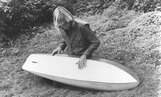 There's been renewed interest in Greenough's edgeboard design concept.with Dave Rastovich riding a couple of stand-up versions George b. Wave Dance, Vintage Surfboards, Water Surfing, Large Waves, Surfer Boys, Surf Shack, Boat Design, Surfs Up, Surfers