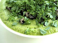 Olo tuntuu väsyneeltä, ihon kanssa on ongelmia, vatsa oikuttelee ja makeanhimo vaivaa. Vaikka kuinka yrität, et tunnu pääsevän eroon ylimääräisistä kiloista. Ota vastaan kolmen päivän kevennyshaaste. Seaweed Salad, Spinach, Detox, Cabbage, Food And Drink, Vegetables, Eat, Ethnic Recipes, Sport