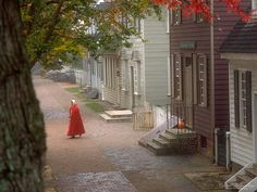 Brisk walk in Historical Williamsburg