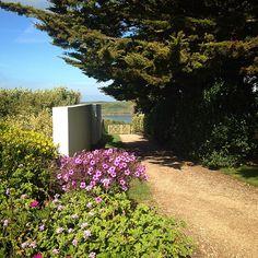 Did you know we are just a 5 minute stroll from #greenawaybeach? #beach #sun #sand #walking #luxuryhotel #stmoritzhotel #cornwall #trebetherick #polzeath