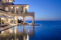 Villa Paradiso Perduto - Los Cabos Luxury Villa Rentals with Chef Vacation Rental Sites, Vacation Villas, Best Vacations, Vacation Destinations, San Jose, San Antonio, Camas Queen Size, Luxury Homes Exterior, Luxury Villa Rentals