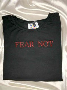 ♥FEAR NOT MY LOVE♥Cotton spandex blendRound neck crop tee ft. embroidered detailsAll over stretch