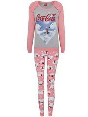 Primark Pyjamas, Always Coca Cola, World Of Coca Cola, Pajamas Women, Nightwear, Pajama Set, Clothes For Women, Christmas Clothes, Lifestyle Fashion
