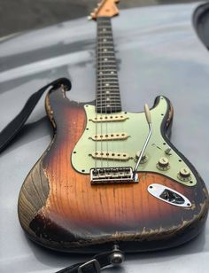 Fender Relic, Fender Custom Shop Stratocaster, Stratocaster Guitar, Fender Guitars, Fender Electric Guitar, Cool Electric Guitars, Guitar Amp, Cool Guitar, Guitar Inlay