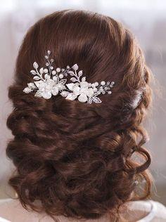 Wedding hair piece Bridal Hair Updo, Bridal Makeup, Flowers In Hair, Flower Hair, Bridal Hair Inspiration, Pearl Hair Pins, Wedding Hair Pins, Bride Hairstyles, Formal Hairstyles