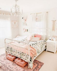 The Best in Girls Bedroom Design and Decor! Bedroom Carpet, Home Bedroom, Bedroom Decor, Girls Bedroom Chandelier, 70s Bedroom, Gray Bedroom, Cute Bedroom Ideas, Girl Bedroom Designs, Big Girl Bedrooms