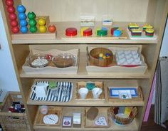 This is montessori based, but it's all home items put together to be activities for to develop autonomy and independence. It's also neat and tidy, not too overwhelming with color, not overcrowded. Montessori Trays, Maria Montessori, Montessori Materials, Montessori Activities, Infant Activities, Montessori Bedroom, Kindergarten, Activities For 2 Year Olds, Montessori Practical Life