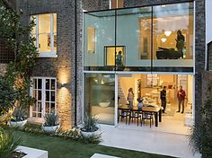 Lipton Plant Architects adds double-height glass extension to London house House Extension Design, Glass Extension, London Townhouse, London House, Soho House, London Architecture, Interior Architecture, House Extensions, Glass House