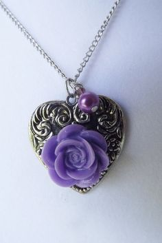 'Be Still My Heart Necklace' is going up for auction at  8pm Sat, Aug 11 with a starting bid of $5.