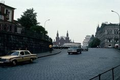 1983 год, Москва, Васильевский спуск. Автомобили милиции марки Мерседес