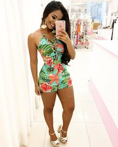 Are you looking for the recent sexy wears that you can rock on your next Date or the one you can wear when next you go for clubbing or party with your Pals? We got you covered cos we have selected the best of the sexy casual wears just for you. Look Fashion, New Fashion, Fashion Outfits, Womens Fashion, Summer Outfits, Cute Outfits, Weekend Outfit, Sexy Legs, Playsuit
