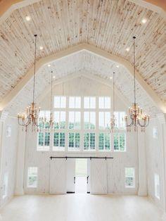 white sparrow barn rustic wedding venue in Texas