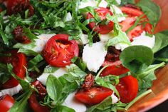 Spinach Caprese Salad with Sun Dried Tomato and Balsamic Vinaigrette