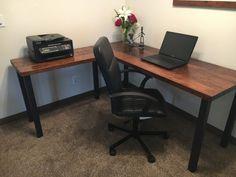 En forma de L escritorio. Escritorio de por UrbanIndustrialNW