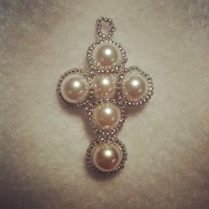 silver & pearl cross pendant silver silver-lined seed beads (size 11), white pearl beads; daisy chain stitch