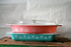 LOVE the color combo!  Vintage Pink Daisies Pyrex Divided Casserole 1 1/2 by thriftstore, $35.00