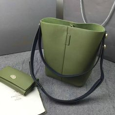2016 Spring Mulberry Small Kite Tote Bag in Khaki & Midnight Flat Calf Leather [Kite 201610] - £174.00 : Mulberry Outlet UK Team, Mulberry Outlet UK with 60% off.Buy New Mulberry Bags 2015 and Cheap Mulberry Handbags with Free Delivery worldwide.Mulberry Sale in 2016.
