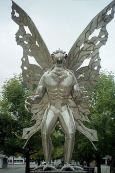 Compare the Mothman Prophecies movie to the Mothman true story, including John A. Keel, the Silver Bridge collapse, Indrid Cold and Mary Hyre. See related Mothman videos, eyewitness sketches and theories about Mothman sightings. Mothman Sightings, The Mothman Prophecies, Legendary Creature, Legendary Monsters, Spooky Scary, Roadside Attractions, Urban Legends, Haunted Places, Anaconda
