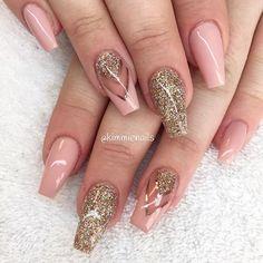Nude pink & champagne #naglar #nagelkär #nagelteknolog #naglarstockholm #nagelförlängning #uvgele #gele #gelenaglar #gelnails #nails #nailart #nailswag #nailfreak #lillynails #nailfashion #nailpassion #nailobession #nailextensions #dope #dopenails #blingnails #passion #love #kimmienails #hudabeauty