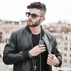 Haircut by andreamelchiorre1 http://ift.tt/21PfhCs #menshair #menshairstyles #menshaircuts #hairstylesformen #coolhaircuts #coolhairstyles #haircuts #hairstyles #barbers