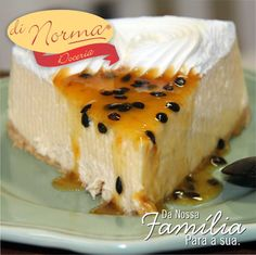 Torta Ice Maracujá: Finíssima massa de biscoito, creme de chocolate branco com maracujá e cobertura de suspiros de chantilly com maracujá azedinho. #love #DiNorma #cake #curta #siga e #compartilhe