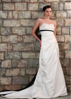 ELEGANT SATIN A-LINE STRAPLESS NECKLINE LONG WEDDING DRESS WITH BOWKNOT SASH LACE BRIDESMAID PARTY COCKTAIL GOWN FORMAL BRIDAL