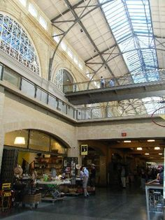 Ferry Building Marketplace | A city landmark transformed into a gourmet food emporium and farmers market #SanFrancisco