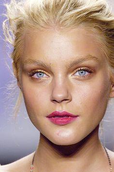 Jessica Stam makeup