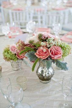 Floral Trends Flowers in vase 5 by Muriel Silva Photography on All Flowers, Wedding Flowers, Sogetsu Ikebana, Flower Arrangements Simple, Wedding Flower Inspiration, Wedding Ideas, Flower Video, Outdoor Wedding Decorations, Floral Photography