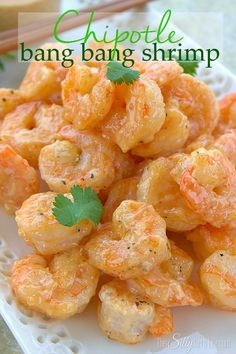 Chipotle Bang Bang Shrimp, pan fried chipotle shrimp tossed in a creamy sweet and smokey sauce! Try this delicious bang bang shrimp recipe! Fish Recipes, Seafood Recipes, Dinner Recipes, Cooking Recipes, Copycat Recipes, Sauce Recipes, Dinner Ideas, Pan Fried Shrimp, Fried Shrimp Recipes